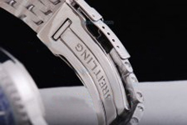 /watches_54/Breitling-520-/Quintessential-Breitling-For-Bentley-Asia-Valjoux-15.jpg