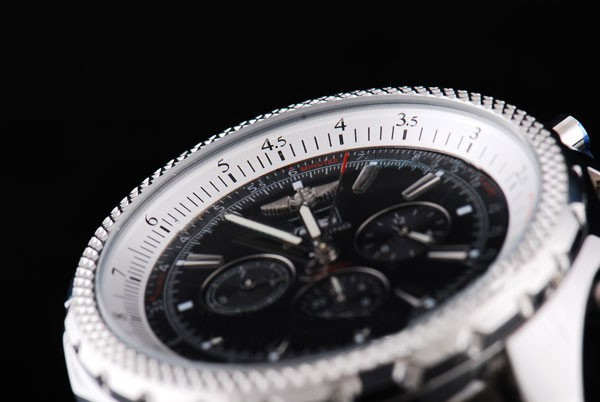 /watches_54/Breitling-520-/Quintessential-Breitling-for-Bentley-Big-Date-20.jpg