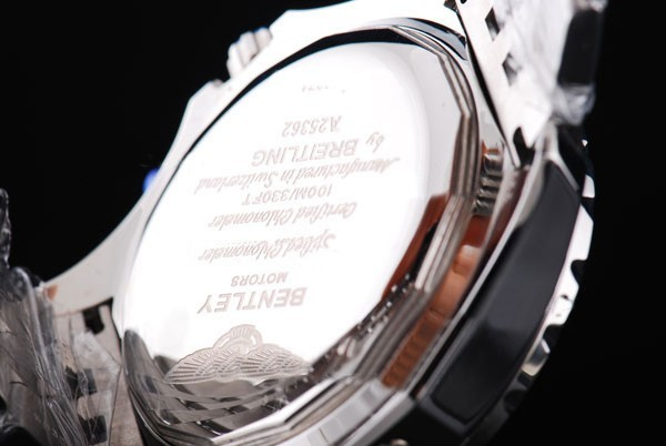 /watches_54/Breitling-520-/Quintessential-Breitling-for-Bentley-Big-Date-21.jpg