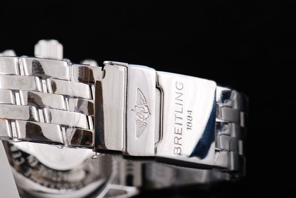 /watches_54/Breitling-520-/Quintessential-Breitling-for-Bentley-Big-Date-24.jpg