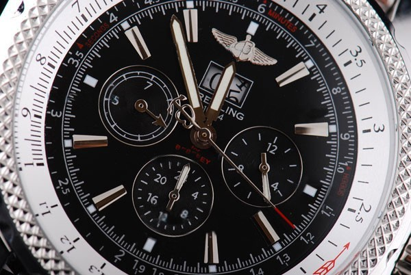 /watches_54/Breitling-520-/Quintessential-Breitling-for-Bentley-Big-Date-25.jpg