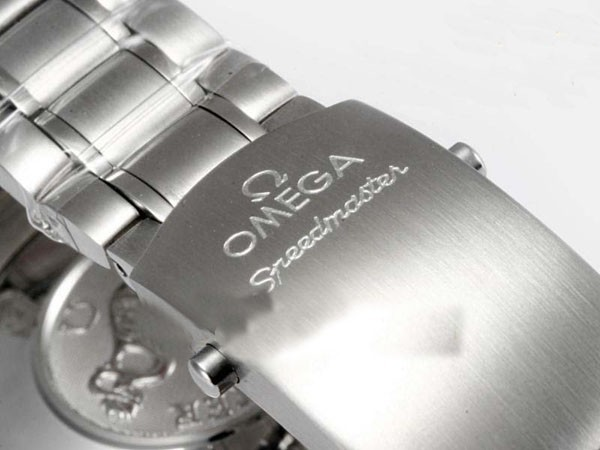/watches_54/Omega-266-/Modern-Omega-Speedmaster-Date-3211-30-00-Working-16.jpg