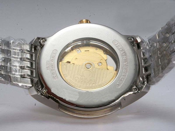 /watches_54/Omega-266-/Popular-Omega-Hour-Vision-See-Thru-Case-Automatic-22.jpg